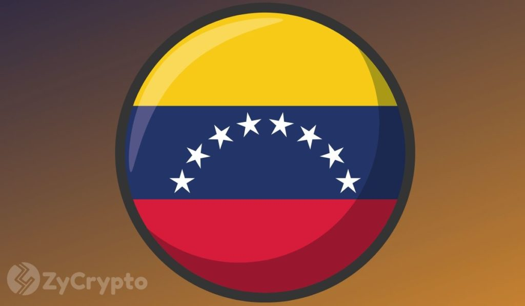 Venezuelan Government Mandates Airlines to Pay for Fuel with Petro