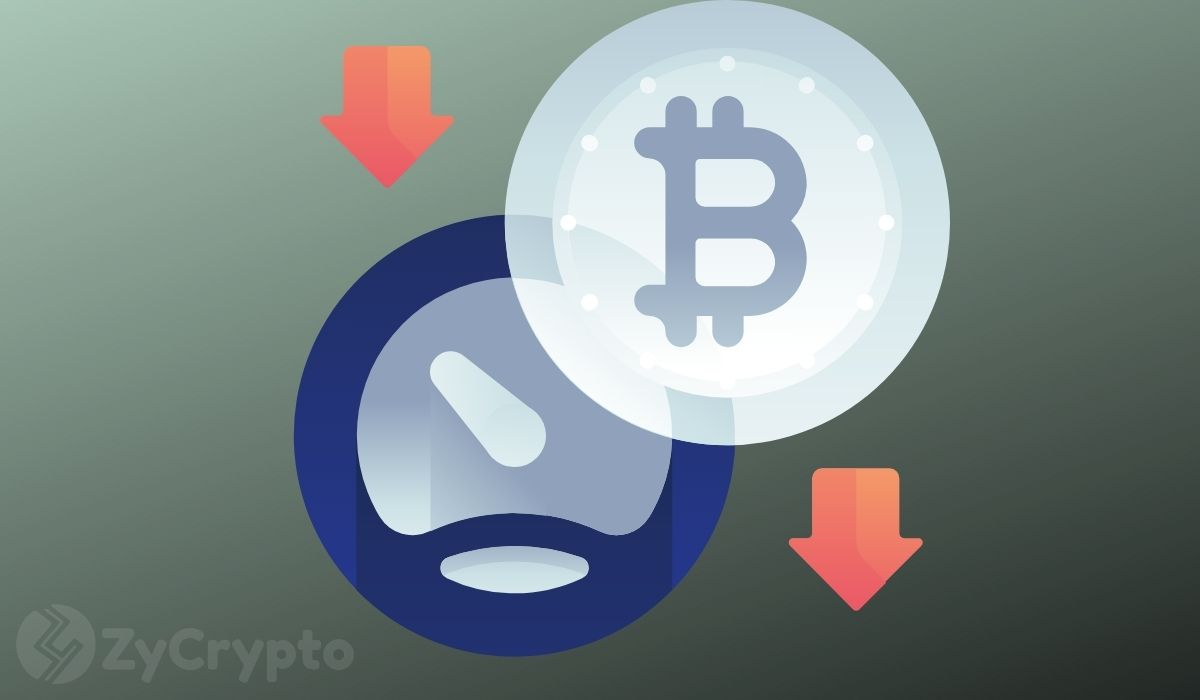 Bitcoin Drops by 18% to $32k, Pushing the Crypto Market Cap Below $1 Trillion